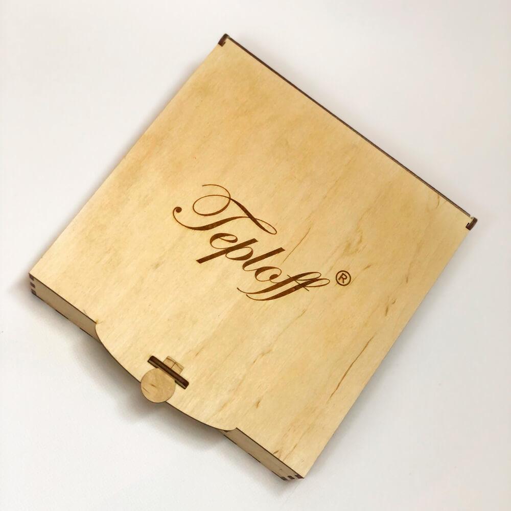 Дерев'яна подарункова коробка