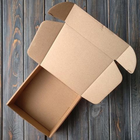 Коробка мгк С УШКАМИ (150*150*50мм)