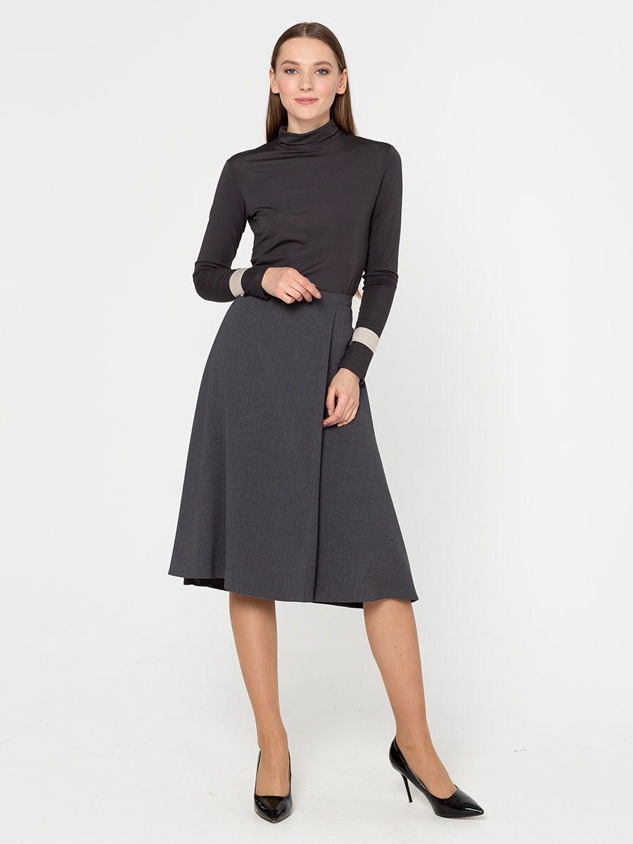 Юбка Б093-567 - Расклешенная юбка с одной складкой с левого бока. Актуальная в этом сезоне длина, плотная костюмная ткань делают юбку комфортной и универсальной.