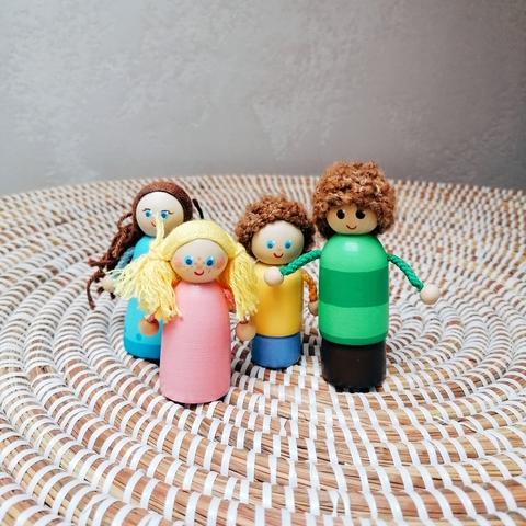 Семья 4 человека, пальчиковые игрушки
