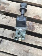 Кран ручного тормаза на грузовики МАН, ручник на МАН  Оригинальные номера MAN - 9617231180  Производитель - WABCO