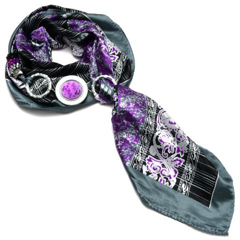 Шелковый платок с ожерельем