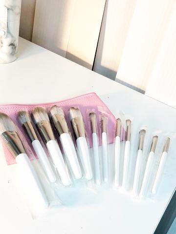 Набор кистей для макияжа 12 шт в косметичке