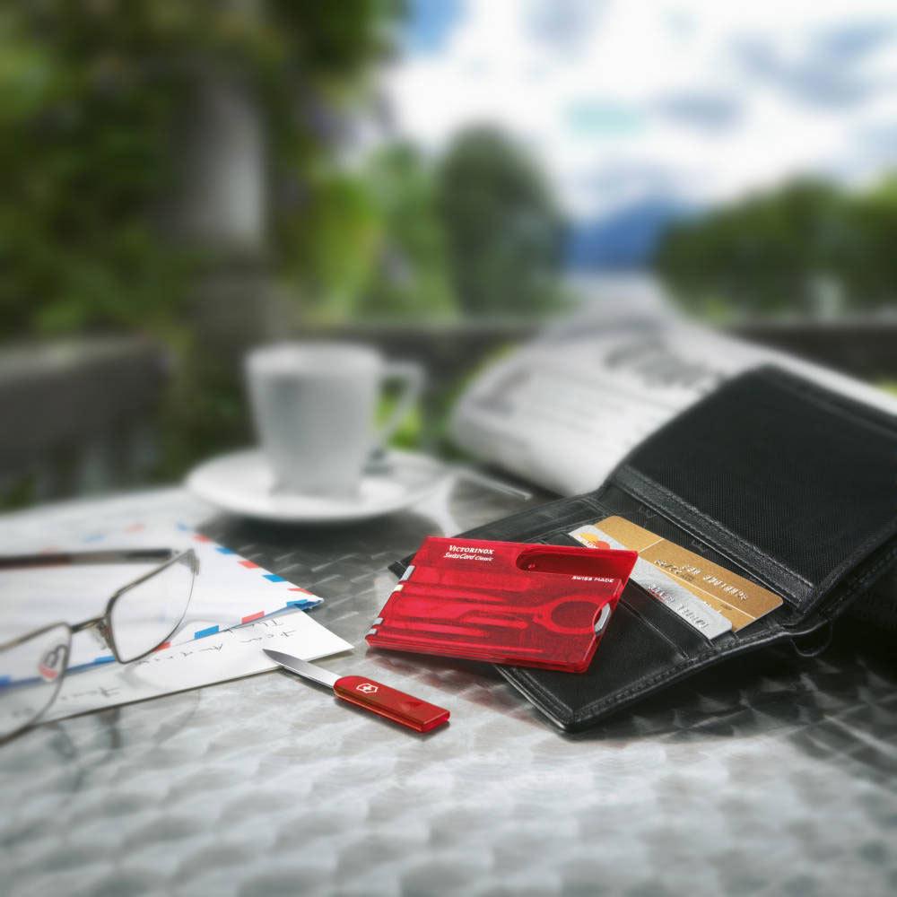 Швейцарская карта Victorinox SwissCard Classic Red (0.7100.T) красная полупрозрачная - Wenger-Victorinox.Ru
