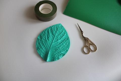 Молд 3041  универсальный листок размер 15*11 см.