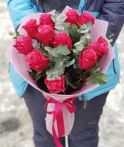 Букет из 11 роз с зеленью 4