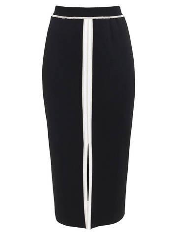 Женская юбка черного цвета из вискозы с разрезом и контрастной полосой - фото 1