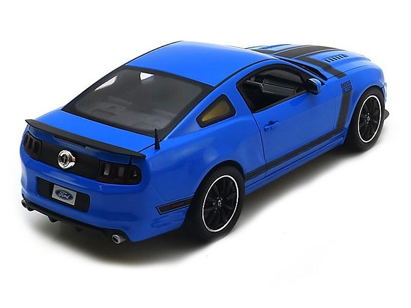 Коллекционная модель Ford Mustang Boss 302 Coupe 2-Door 2013 Blue