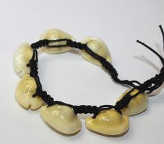 Этническое украшение браслет с ракушками