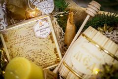 Новогодний подарочный набор HoneyForYou в деревянном ящике