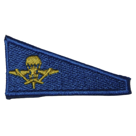Уголок на берет вышит. Флаг голубой с эмблемой ВДВ