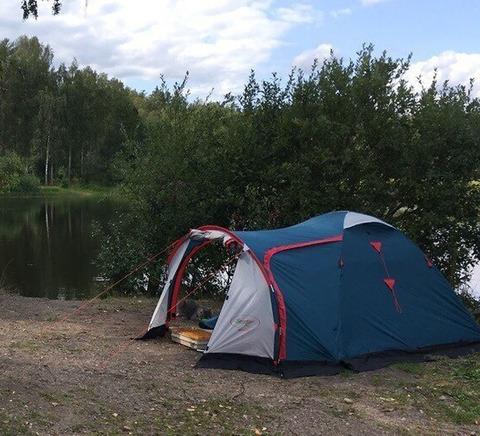 Палатка Canadian Camper RINO 3, цвет royal, на природе.