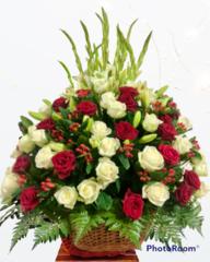 Корзина  из живых цветов КЖ-21