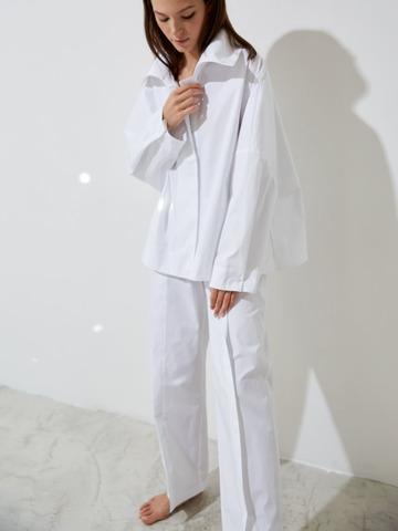 Рубашка свободного кроя на кнопках из хлопка белая