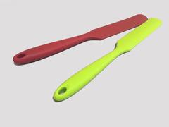 Палетка прямая силиконовая, лезвие 12*2,5 см, (цвет микс)