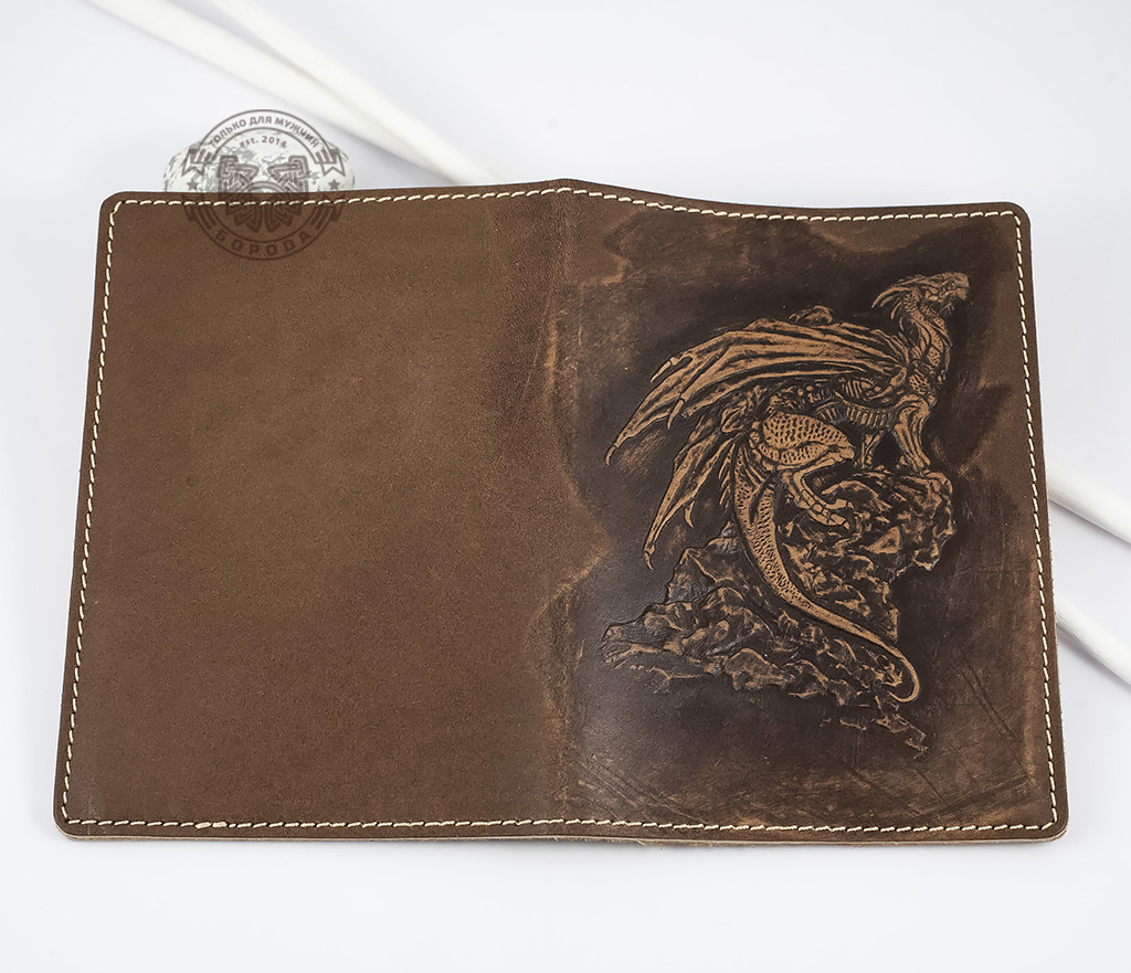 BY14-30-03 Обложка на паспорт из натуральной кожи «Дракон» фото 04