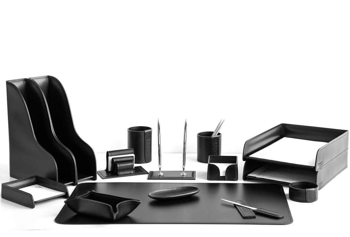 Набор на стол руководителя артикул 1281 СТ 15 предметов кожа Cuoietto цвет черный.