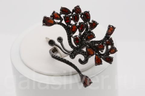 Кольцо с гранатом и нано кристаллами из серебра 925