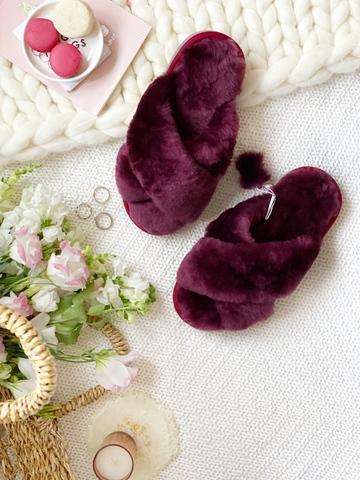 Меховые тапочки пурпурные с перекрестными шлейками (из наличия)