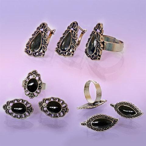 Набор Серьги и кольцо с камнем