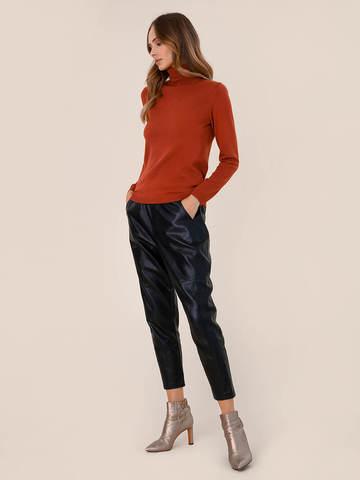 Женская водолазка терракотового цвета из шерсти и шелка - фото 5
