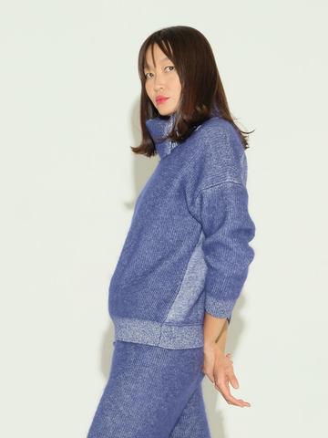 Женский свитер темно-синего цвета из мохера и кашемира - фото 4