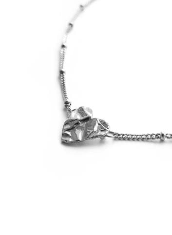 Серебряное колье маленькое сердце