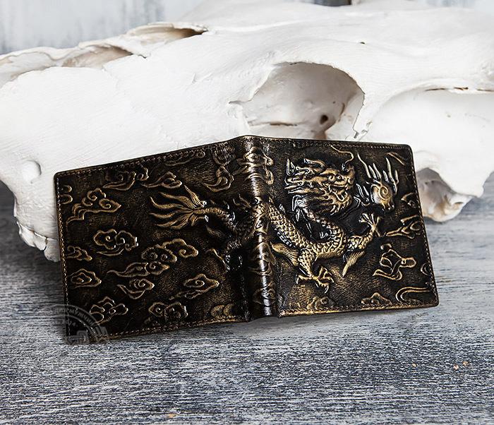 WL293-2 Крутой мужской кошелек золотистого цвета с драконом фото 03