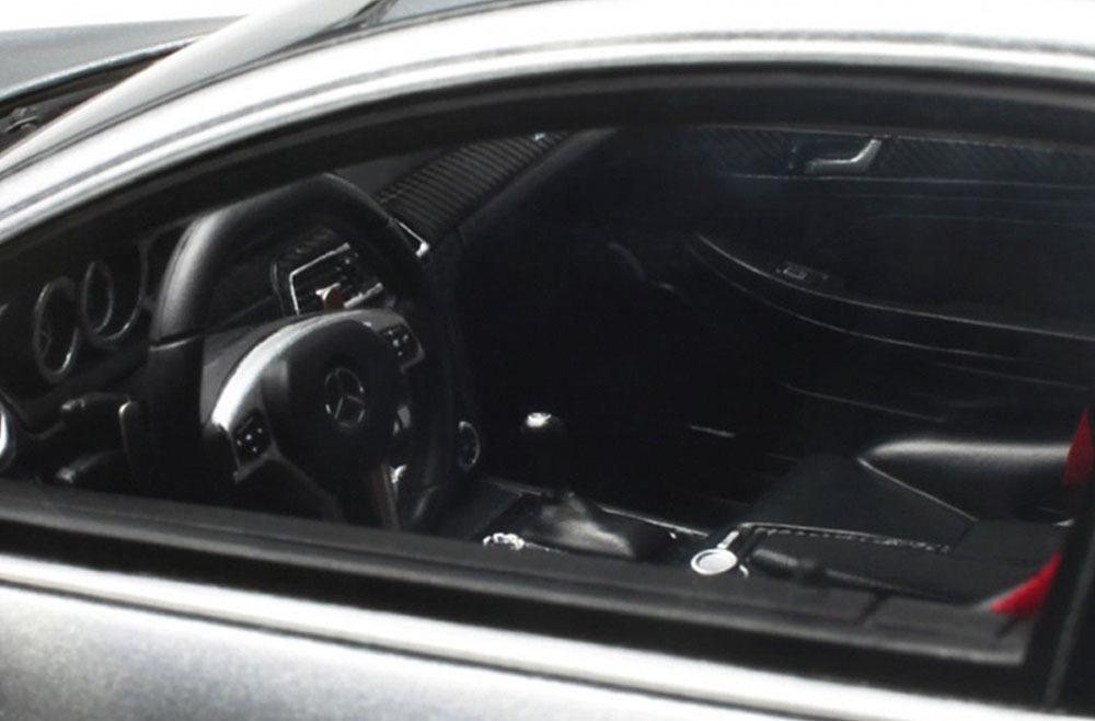 Коллекционная модель Mercedes-Benz C63 AMG Coupe Black Series 2016 Silver