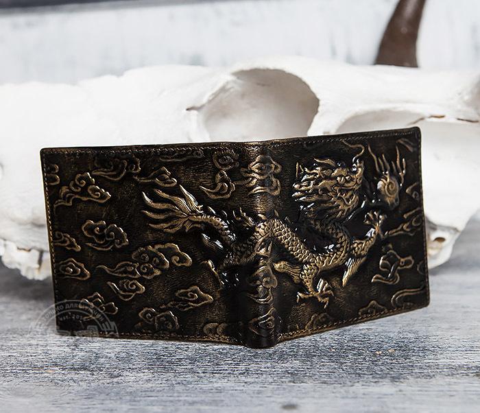 WL293-2 Крутой мужской кошелек золотистого цвета с драконом фото 04