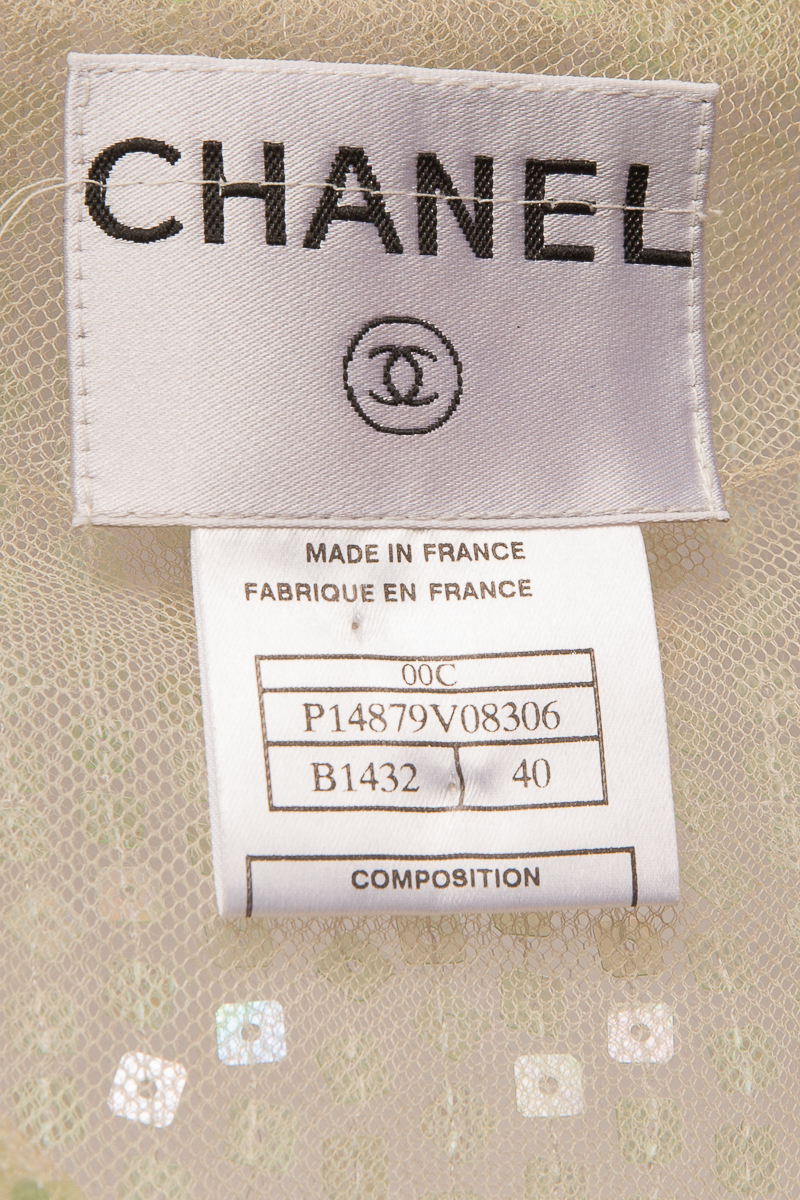 Elegant Chanel evening coat, decorated with sequins, size 40