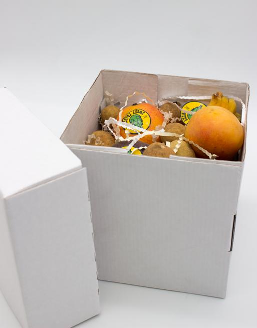 Подарочная Коробка S с фруктами. Лавка экзотических фруктов Sweet Prince