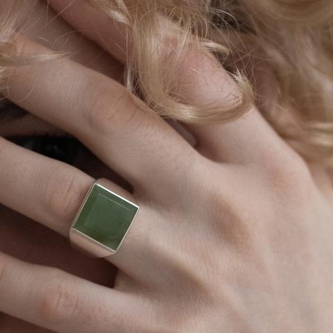 Кольцо-печатка SQUARE с нефритом