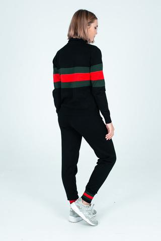Спортивный костюм с красно-зеленой полосой купить