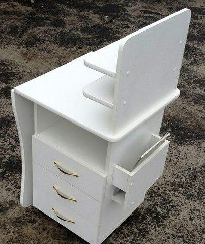 Стол маникюрный с боковой подставкой (цвет белый)