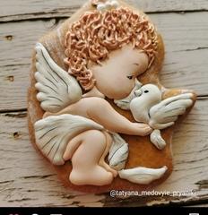 Ангел №14 с голубкой