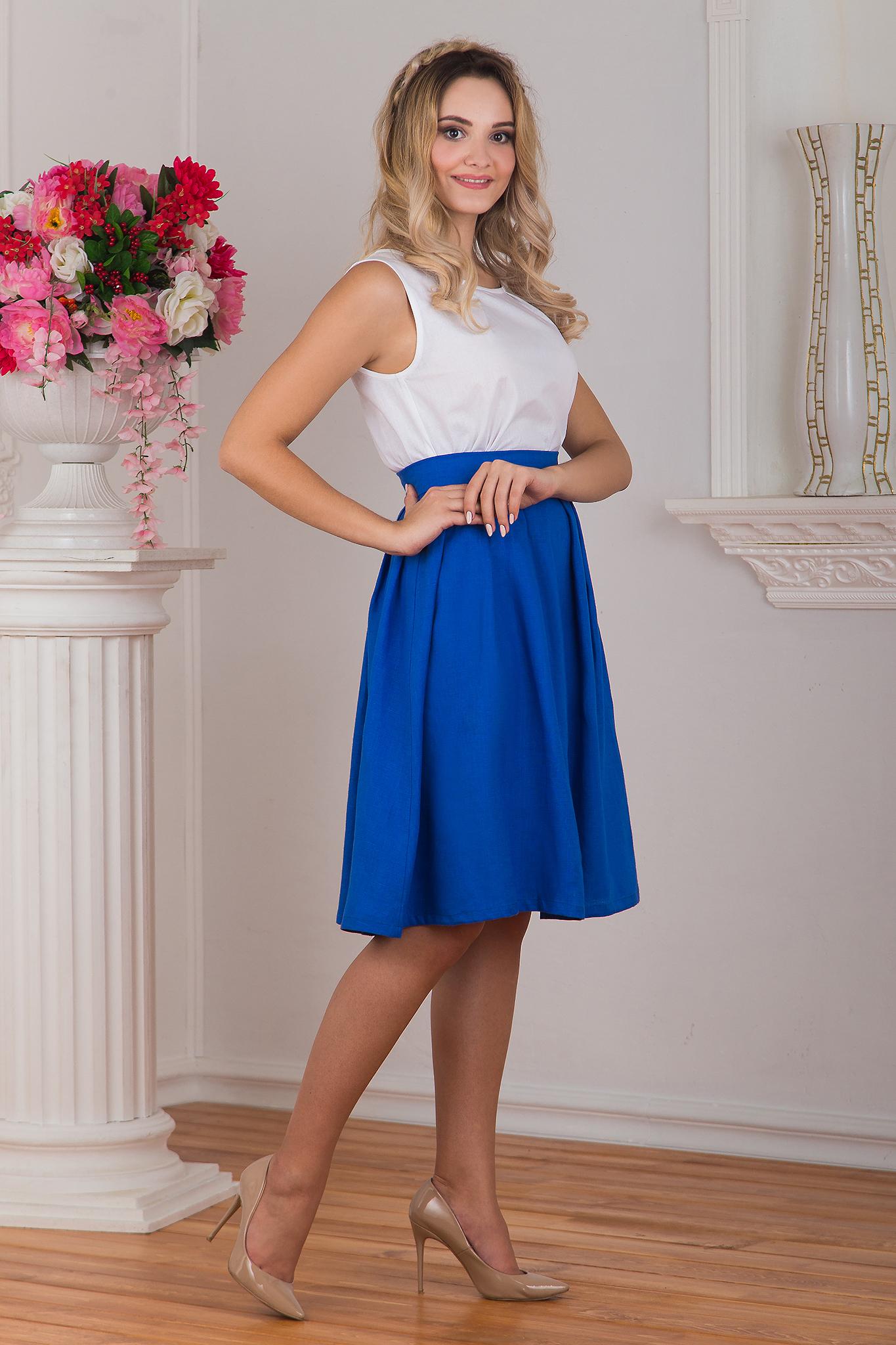 Юбка льняная Синева вид сбоку с белой блузкой