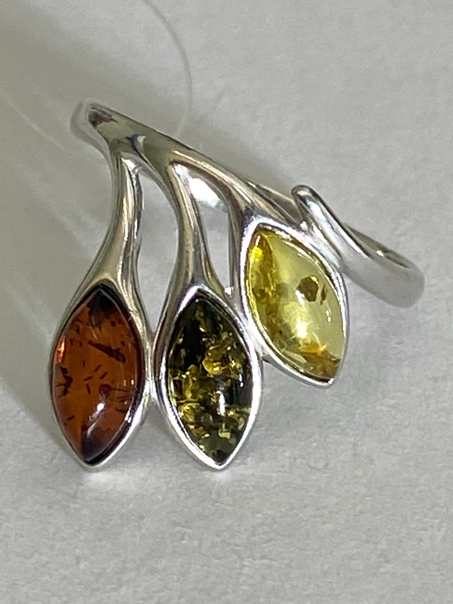 Янтарь 0201 (кольцо из серебра)