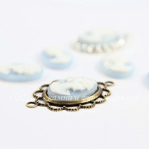 """Камея """"Девушка с хвостиком"""" белого цвета на голубом фоне 14х10 мм, пара"""