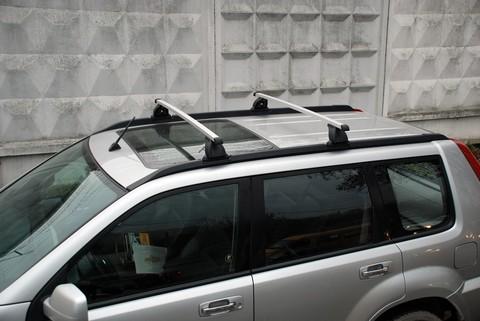 Багажник на крышу Nissan X-Trail T30, T31 (Без фонарей) 2001-2014 штатные места   аэродинамические  дуги 120 см.