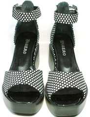 Модные летние босоножки с квадратным мысом G.U.E.R.O G009-2461 White Dot.