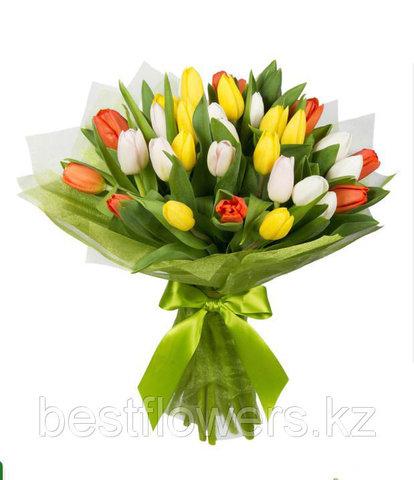 Букет из разноцветных тюльпанов 4 35 шт