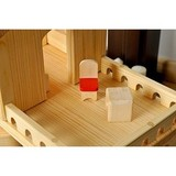 Кукольный дом с верандой и гаражом