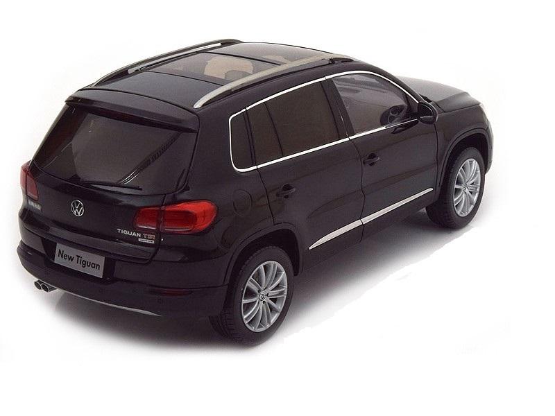 Коллекционная модель Volkswagen Tiguan 2009