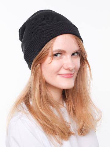 Черная демисезонная шапочка