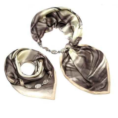 Косынка с ожерельем из перламутра