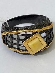 Грида-молочный (кольцо  из серебра)