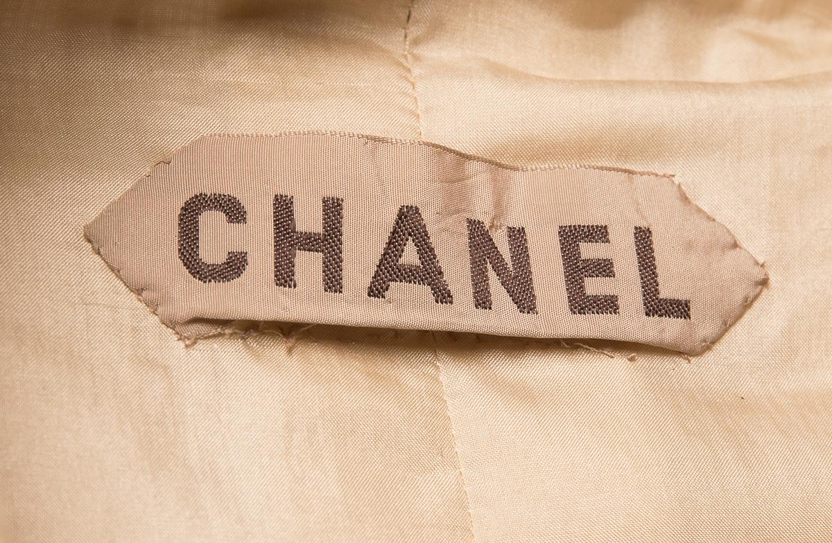 Коллекционный кутюрный костюм 60-х годов от Chanel, 36 размер.