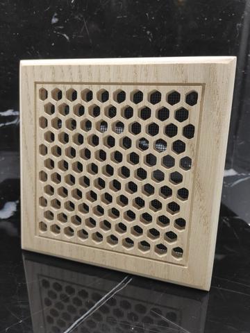 Решетка декоративная деревянная на магнитах Пересвет К-20 150х150мм