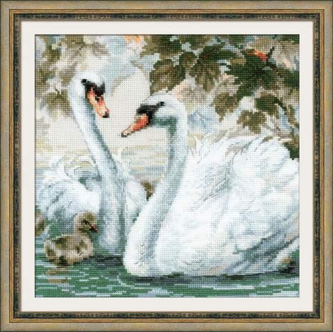 Набор для вышивания крестом «Белые лебеди» (1726)